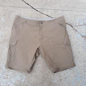 Kuhl shorts size 42